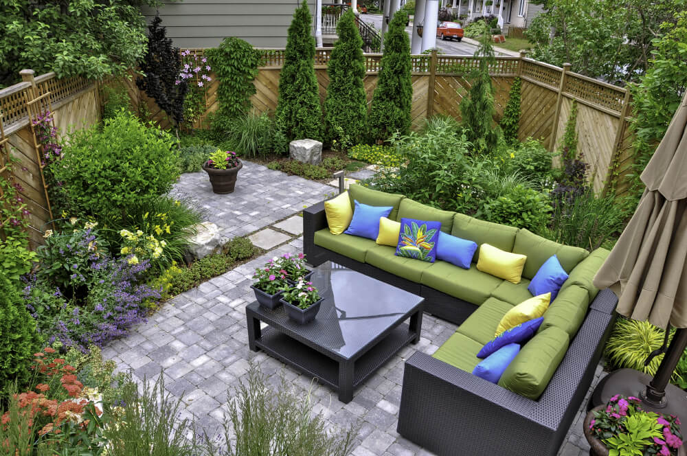 garden with patio furniture